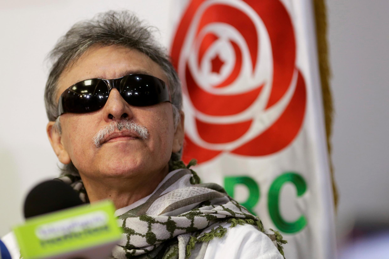 Jesus Santrich, ex-líder guerrilheiro das Farc durante uma coletiva de imprensa na sede de seu partido em Bogotá, na Colômbia, em 30 de maio de 2019.