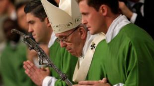 (Photo d'illustration) Le pape François à la messe spéciale pour la Journée mondiale des pauvres au Vatican, le 19 novembre 2017.
