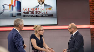 Le candidat Martin Schulz interrogé par des téléspectateurs sur la chaîne RTL, à Berlin, le 13 août 2017.