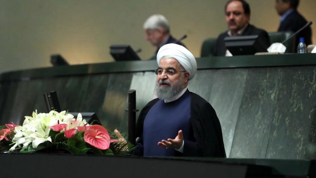 حسن روحانی در جلسه علنی مجلس برای سئوال از رئیس جمهوری