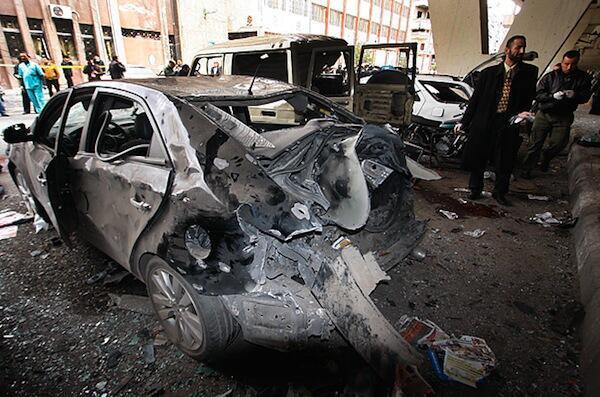 Athari ambazo zimejitokeza kutokana na kutekelezwa mashambulizi mawili ya mabomu ya kujitoa mhanga katika Jiji la Damascus nchini Syria