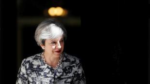 Theresa May souhaiterait que les géants de l'internet prennent au sérieux la menace des réseaux extrémistes.