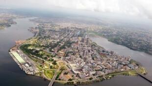 Vue aérienne du quartier du Plateau à Abidjan, Côte d'Ivoire. (photo d'illustration)