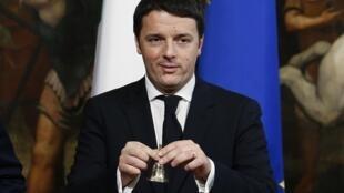 O novo primeiro-ministro da República italiana, Matteo Renzi, se submete ao voto de confiança do Senado.