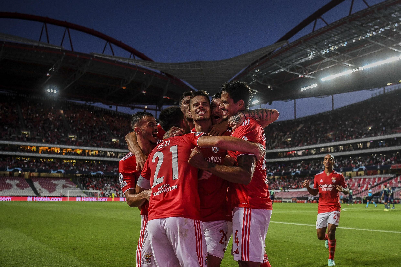 La joie des joueurs de Benfica sur le but de Julian Weigl face au PSV Eindhoven à Lisbonne, le  18 août 2021