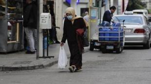 La grande majorité des familles au Liban risque bientôt de ne plus pouvoir assurer le minimum alimentaire sans l'aide de leurs proches ou d'organisations humanitaires, selon une étude publiée ce mercredi par l'Université américaine à Beyrouth.