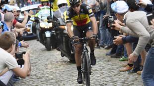 Belgium's Philippe Gilbert winning the 2017 Tour of Flanders to mass popular acclaim