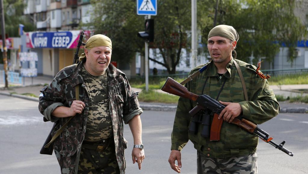 Пророссийские сепартисты в Макеевке 19 августа 2014.