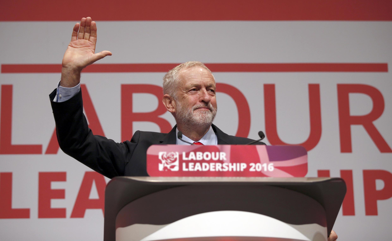Apesar das críticas, Jeremy Corbyn continua dirigindo o Partido Trabalhista britânico