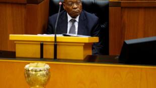 Rais wa Afrika Kusini Jacob Zuma akabiliwa na tuhuma za ufisadi.