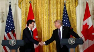 Justin Trudeau e Donald Trump após reunião em Washington.