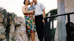 Le juge Borrel, ici en compagnie de sa femme, avait été retrouvé mort en 1995 à Djibouti.