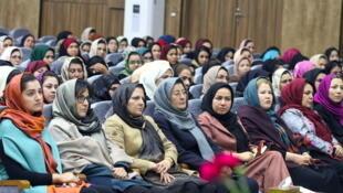 به موازات پیشروی گفتگوهای صلح آمریکا با طالبان زنان افغان نگران از آینده خود هستند