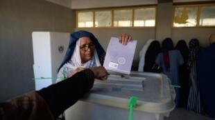 Os eleitores afegãos votaram neste sábado para as eleições legislativas.