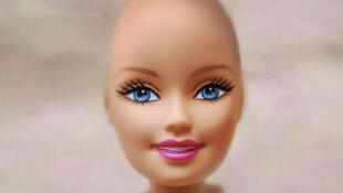 O novo modelo da boneca Barbie para crianças que fazem tratamento contra o câncer.