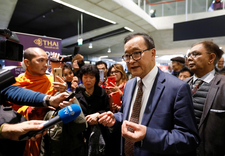 L'opposant cambodgien Sam Rainsy n'a pas pu embarquer pour Bangkok depuis l'aéroport Charles de Gaulle à Paris ce jeudi 7 novembre 2019.