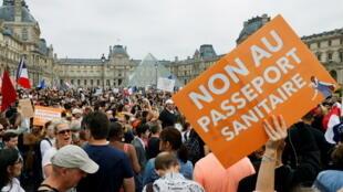 Manifestation anti-passe sanitaire en France Paris