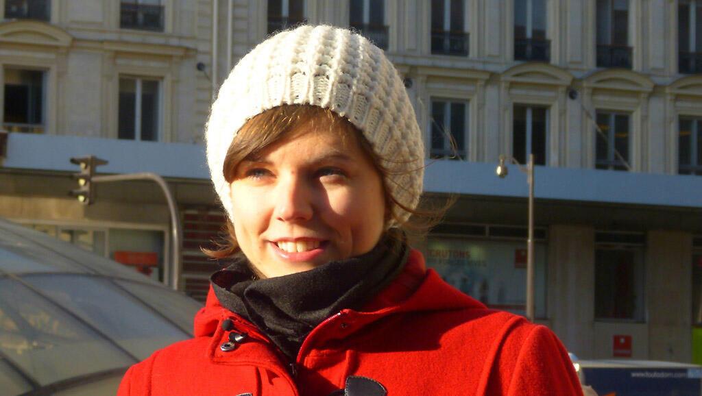 Alexandra é da Eslováquia e está em Paris há um ano.