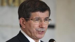 Ahmet Davutoglu, le ministre turc des Affaires étrangères, est intervenu auprès de son homologue allemand.