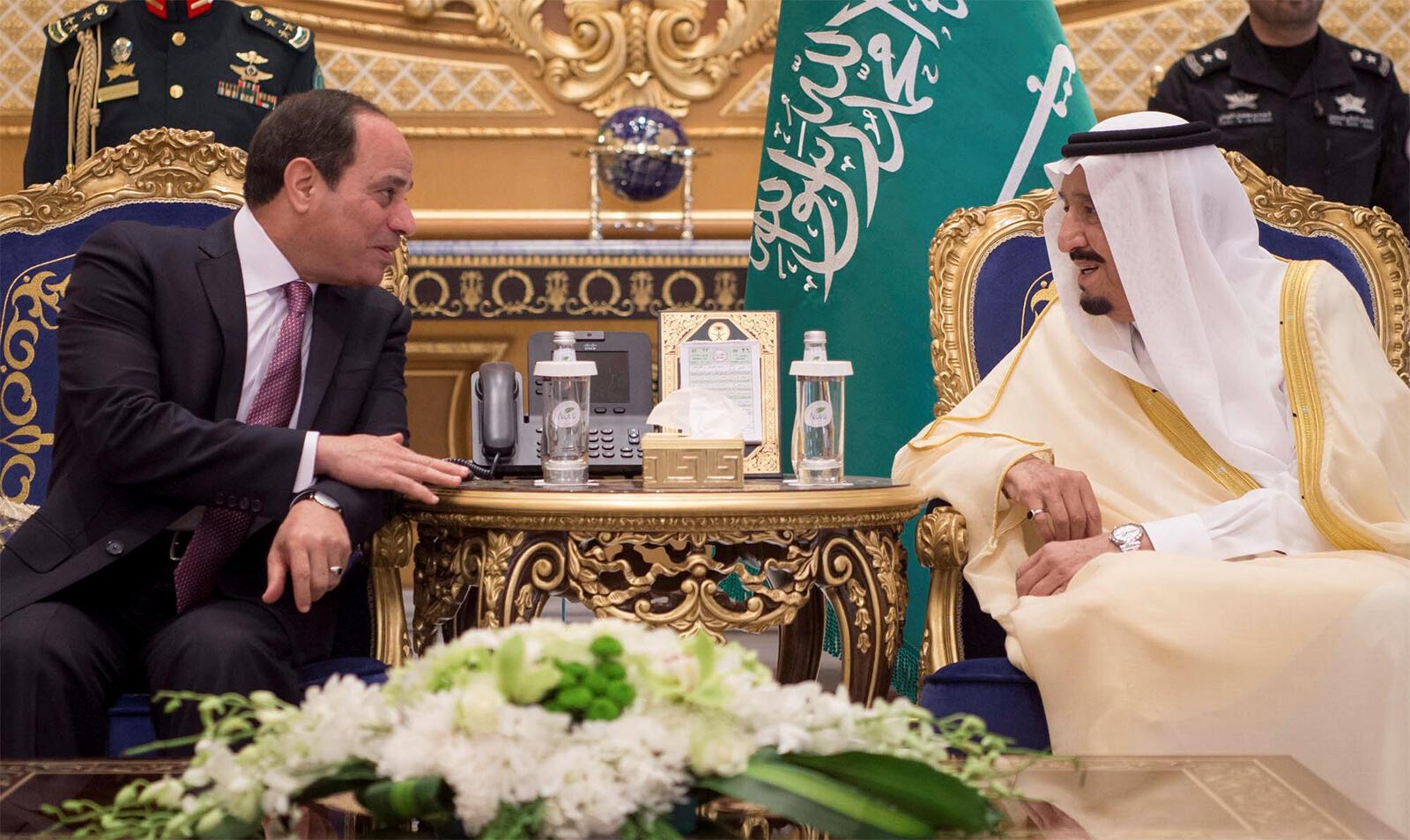 دیدار عبدالفتاح السیسی، رئیس جمهوری مصر با ملک سلمان، پادشاه عربستان سعودی در ریاض. یکشنبه ٢٣ آوریل/ ٣ اردیبهشت ١٣٩۶