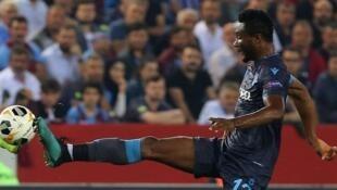 Tsohon dan wasan Najeriya John Obi Mikel da ya raba gari da kungiyarsa ta Trabzonspor dake kasar Turkiya.