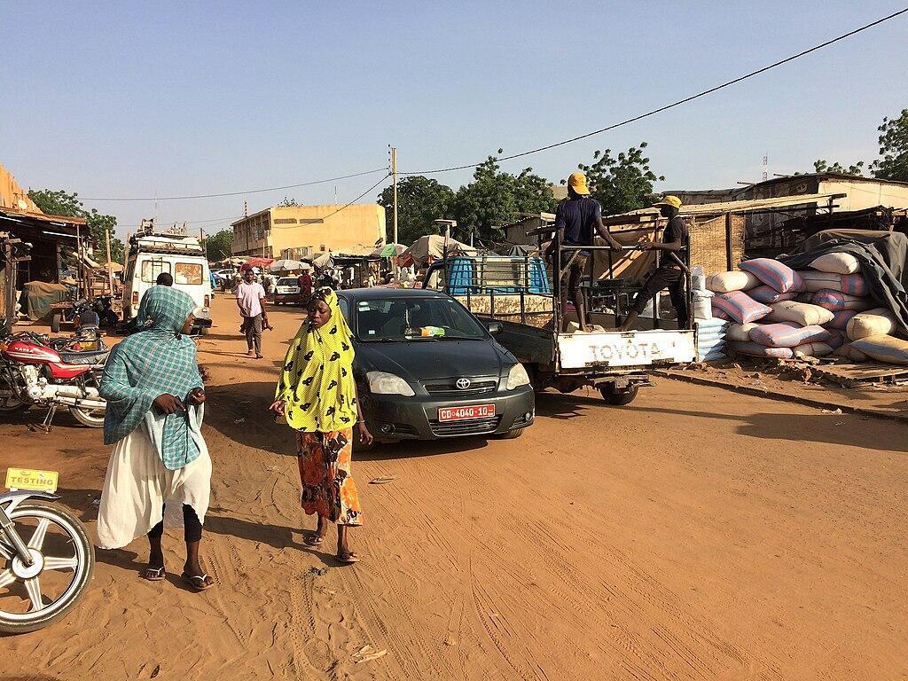 Niger,_Niamey,_Rue_du_Nigeria_(Rue_NM-4)(3)