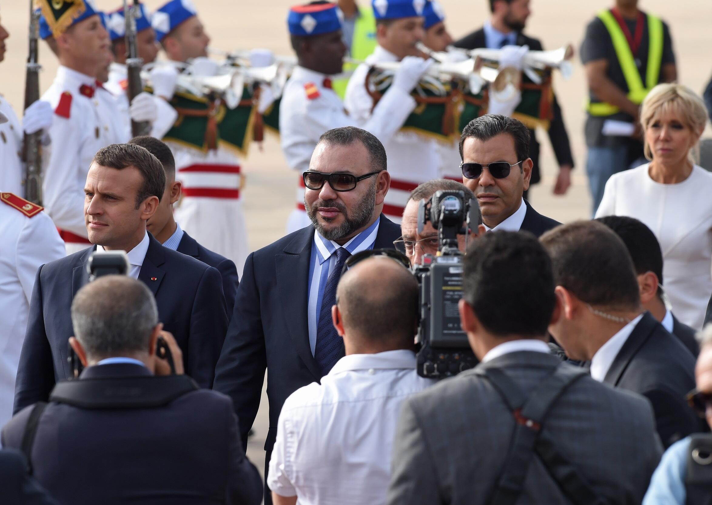 摩洛哥国王穆罕默德六世与到访的法国总统马克龙.