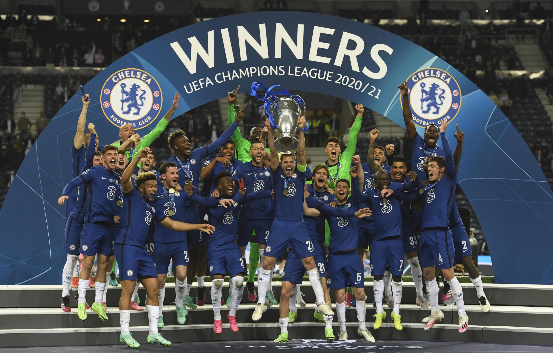 Les joueurs de Chelsea célèbrent leur victoire (1-0) face à Manchester City en finale de la Ligue des Champions, le 29 mai 2021 au stade Dragao à Porto