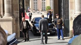 Segundo a revista francesa L'Express, o Palácio do Eliseu foi pirateado pelos Estados Unidos.