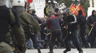 Manifestation à Athènes contre le plan d'austérité, vendredi 10 février 2012.