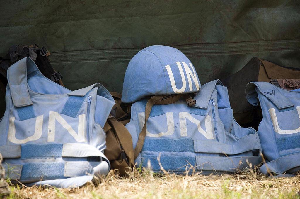 Les casques bleus sont des soldats qui oeuvrent dans le cadre des opérations de paix conduites sous le drapeau des Nations unies.