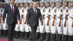 中俄兩國領導人在上海閱兵,2014年5月20號