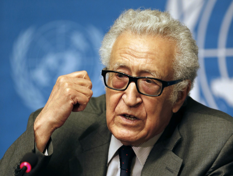 Lakhdar Brahimi, người được cử làm trung gian giữa hai phái đoàn chính phủ và đối lập Syria tại cuộc hòa đàm Genève 2 (Thụy Sĩ). Ảnh chụp ngày 24/01/2014.