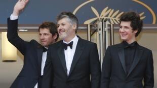 """Đoàn làm phim """"Plaire, aimer et courir vite"""" tại cuộc tranh tài Liên Hoan Cannes, Pháp, ngày 10/05/2018."""