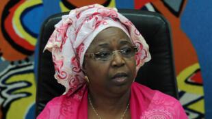 La ministre sénégalaise de la Santé Awa Marie Coll Seck lors d'une conférence de presse à Dakar, le 29 août 2014, pour annoncer le premier cas d'Ebola au Sénégal.