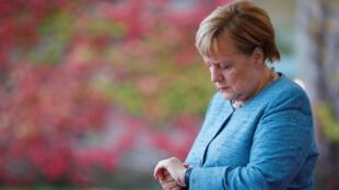 La chancelière allemande Angela Merkel à Berlin, le 30 octobre 2018, attend les participants du G20/Compact with Africa (initiative allemande pour mobiliser le G20 en faveur de l'Afrique).