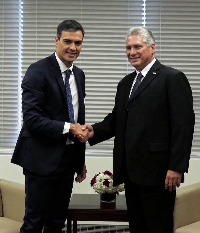 Foto de archivo del encuentro entre el presidente del gobierno de España, Pedro Sánchez, y del presidente de Cuba, Miguel Díaz-Canel en la ONU.