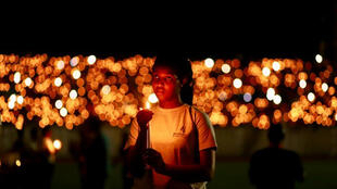 Акция памяти на стадионе Кигали в день 25-летия геноцида в Руанде