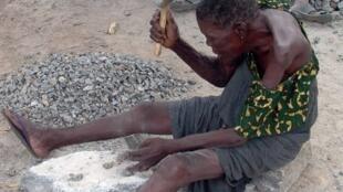 Em Moçambique, acusados de feitiçaria, os idosos acabam muitas vezes linchados pelas próprias famílias.