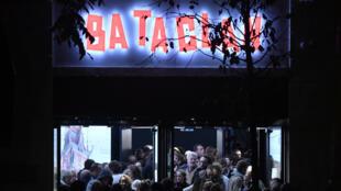 Bataclan foi um dos cenários atingidos pelos atentados de 13 de novembro em Paris