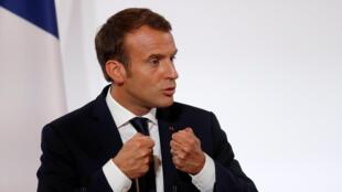 Emmanuel Macron ne s'est pas encore prononcé sur les différentes affaires de harcèlement sexuel révélées récemment.