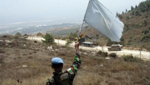 Un soldat de la Finul à la frontière d'Adaisseh, au sud du Liban.