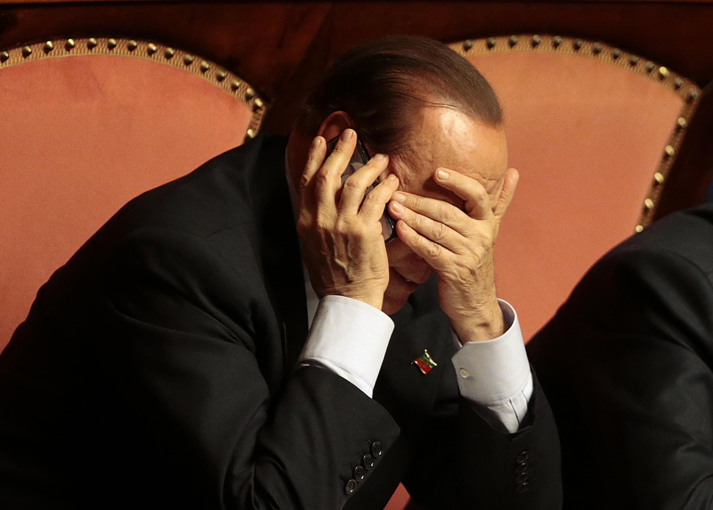 O ex-primeiro-ministro italiano, Silvio Berlusconi, não poderá se candidatar a cargos públicos pelos próximos seis anos..