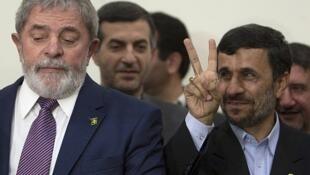 El presidente brasileño y su par iraní en Teherán, el 17 de mayo.