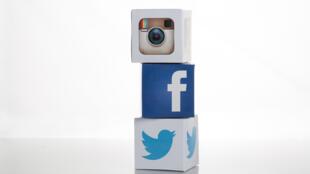 Instagram, Facebook et Twitter.