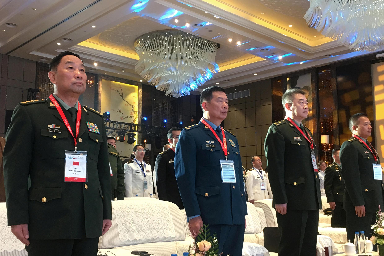 資料圖片:中央軍委後勤保障部部長宋普選(左一)及同僚2018年9月17日在西安參加活動。