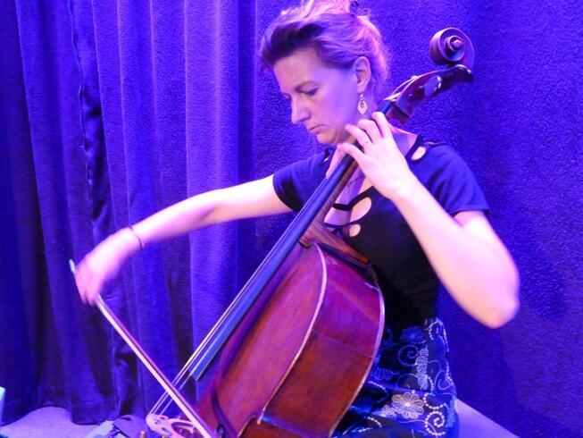 Французская виолончелистка Офели Гайяр