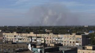 Дым от обстрелов в небе над Донецком, 20 сентября 2014 г.
