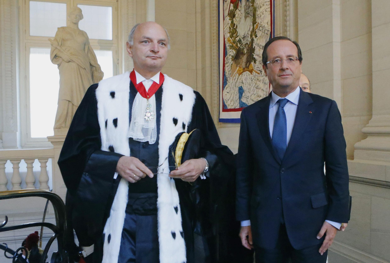 Председатель Суда счетов Франции Дидье Миго (слева) и президент Франсуа Олланд