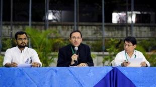 Le nonce apostolique Mgr Stanislaw Sommertage lors d'une conférence à Managua annonçant un accord sur une feuille de route pour le dialogue, le 5 mars 2019.